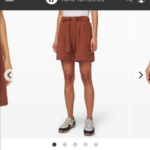 "Noir Shorts 5.5"""